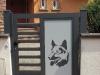 portail aluminium chien